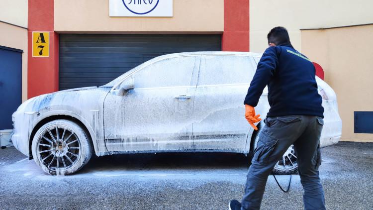 Nettoyage voiture manuel
